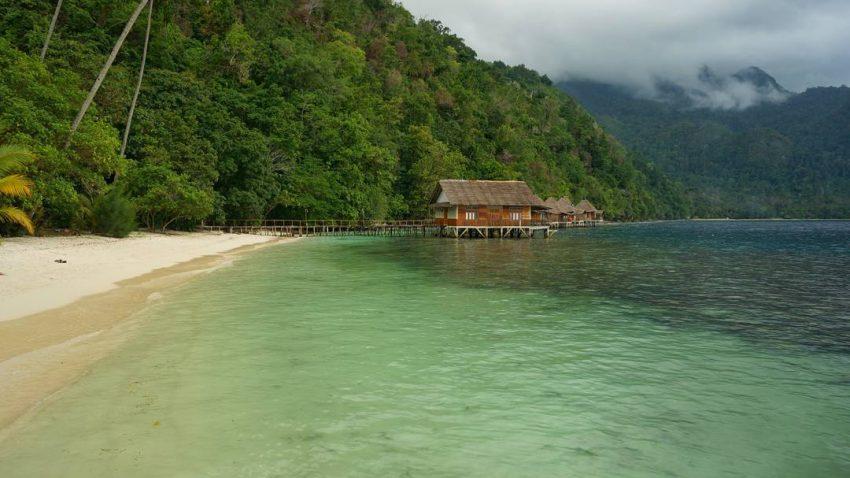 Air Belanda Ora Beach Kabupaten Maluku