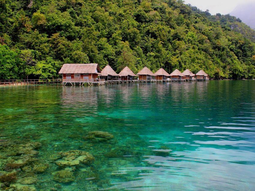 Ora Beach Pulau Seram