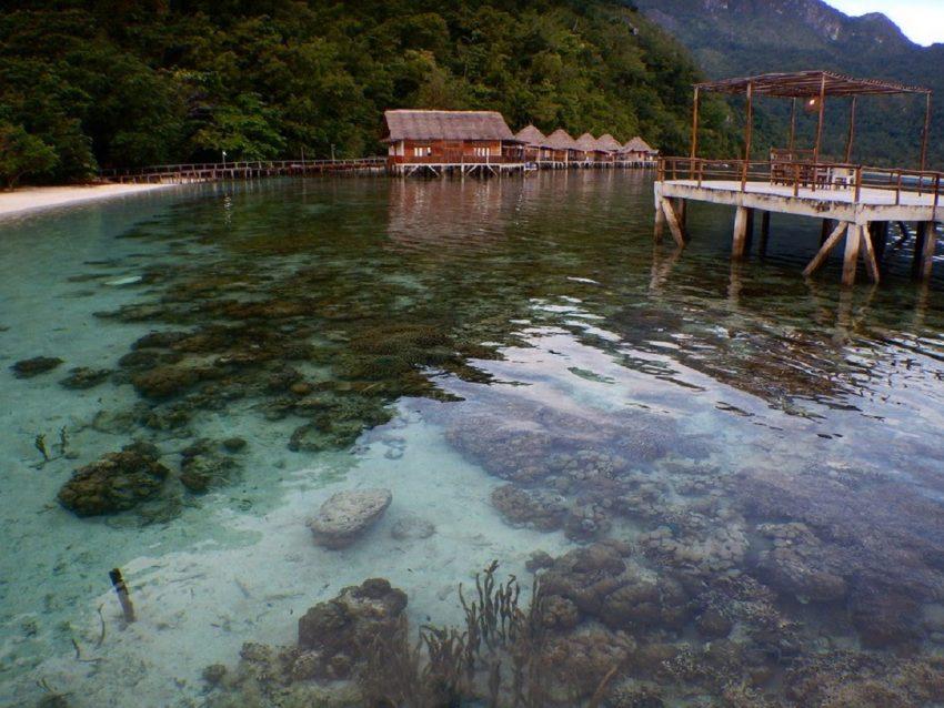 Paket Honeymoon Ora Beach