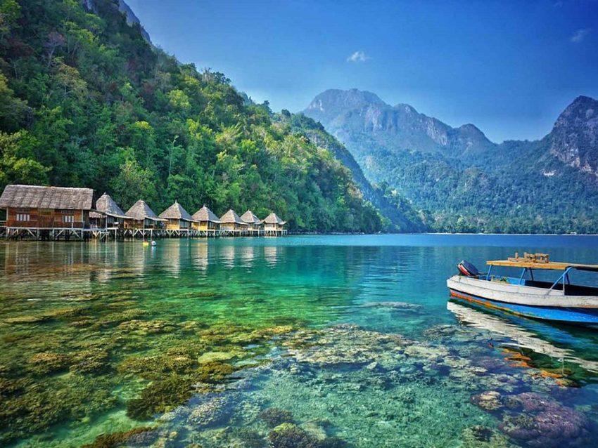 Paket Wisata Ora Beach Maluku
