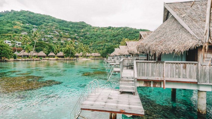 Paket Wisata Pantai Ora Ambon