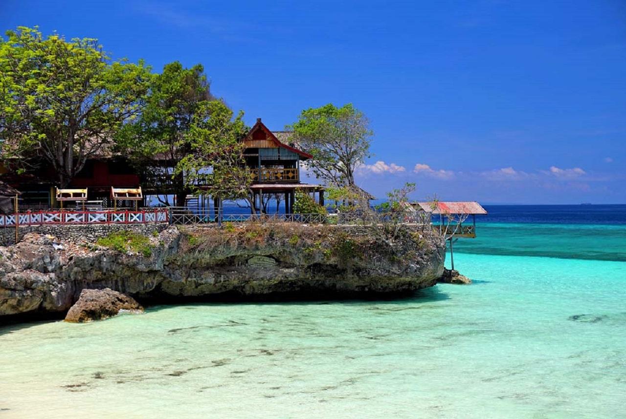 Wisata Pulau Ora Ambon