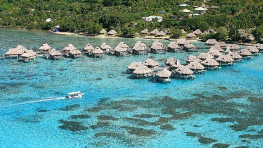 Wisata ke Pantai Ora Maluku